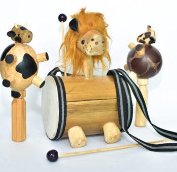 banda de animales en madera