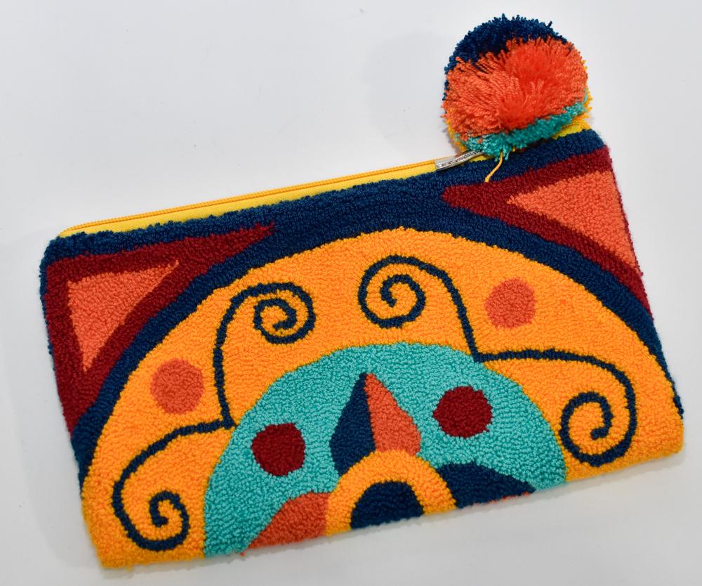 Sobre Tapizado Wayuu Amarillo Azul con Borla