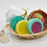jabones artesanales en canasta de palma de iraca
