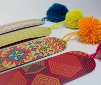 Separadores de libros motivos wayuu de colores con borlas