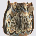mochilas wayuu decoradas