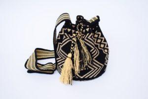 Mochilas Wayuu Negro Con Dorado
